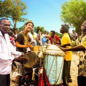 1/27(水) 20:30 大西マサヤ いつもそこに音楽があった ~ケニアの伝統文化継承者になった日本人~